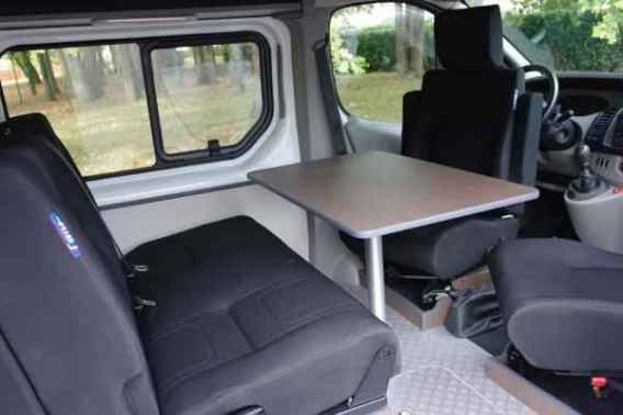 renault trafic am nag 4places 20000kms. Black Bedroom Furniture Sets. Home Design Ideas