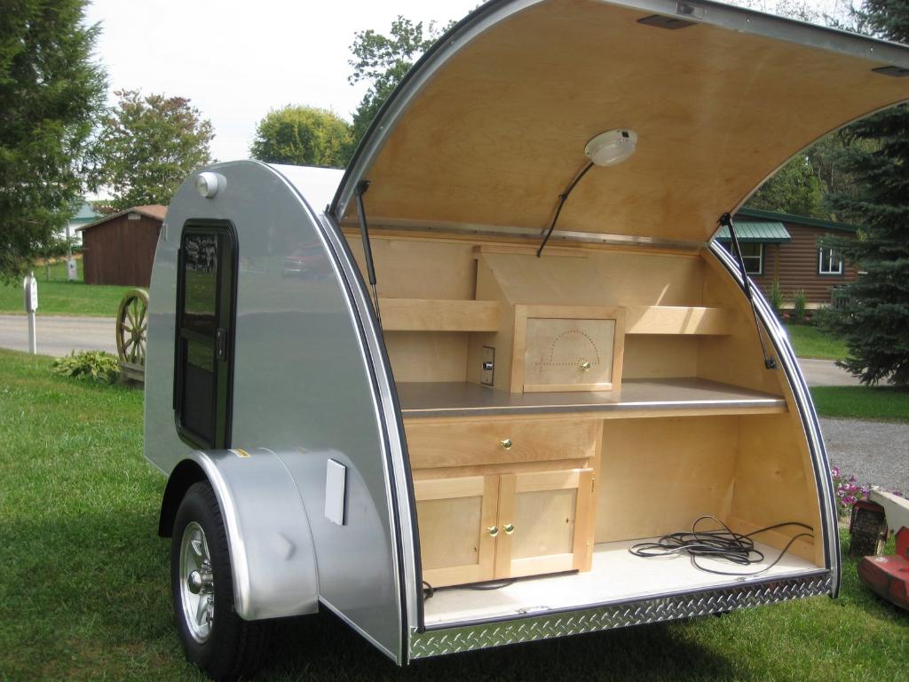 mini caravane teardrop alpina retro vintage 45 du neuf. Black Bedroom Furniture Sets. Home Design Ideas