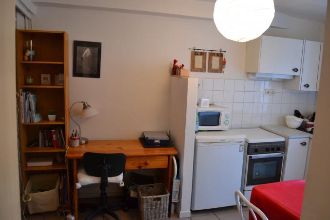 studio meubl 20 m2 m tro foch. Black Bedroom Furniture Sets. Home Design Ideas