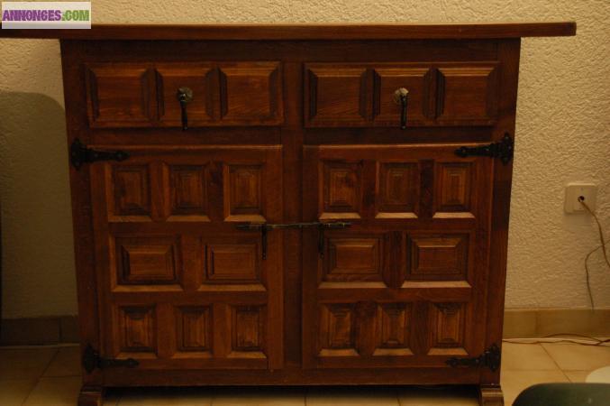 deux petits meubles de salon style espagnol. Black Bedroom Furniture Sets. Home Design Ideas