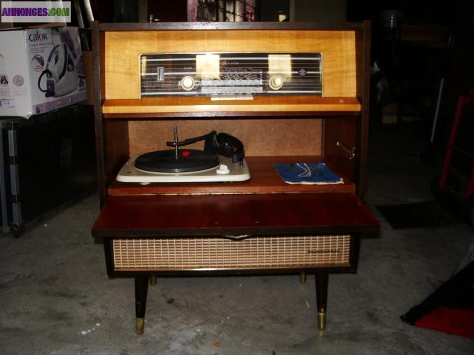meuble radio tourne disques annee 60. Black Bedroom Furniture Sets. Home Design Ideas