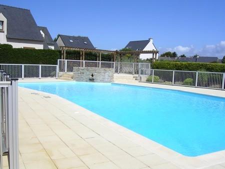 Maison de vacances avec piscine 600m plage for Piscine surzur
