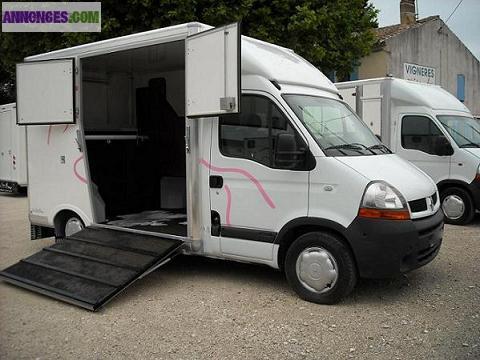 Camion 2 cheval vl renault master dci 120 pack cd for Garage renault evry