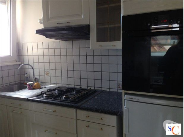 bel appartement 3 pi ces. Black Bedroom Furniture Sets. Home Design Ideas