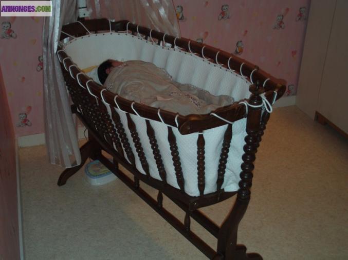berceau ancien en bois. Black Bedroom Furniture Sets. Home Design Ideas