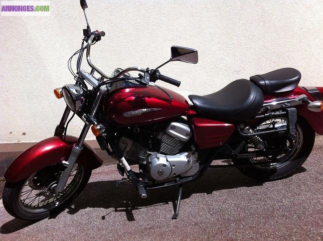 moto honda shadow 125 rouge 1800. Black Bedroom Furniture Sets. Home Design Ideas