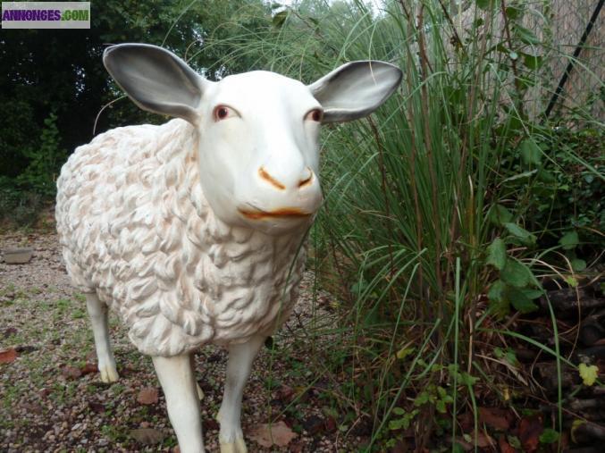 Mouton en r sine - Deco jardin mouton toulon ...